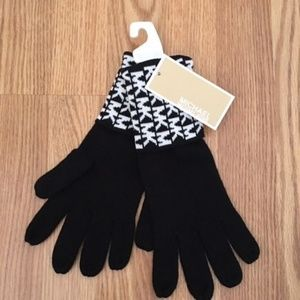 Michael Kors Knit Gloves